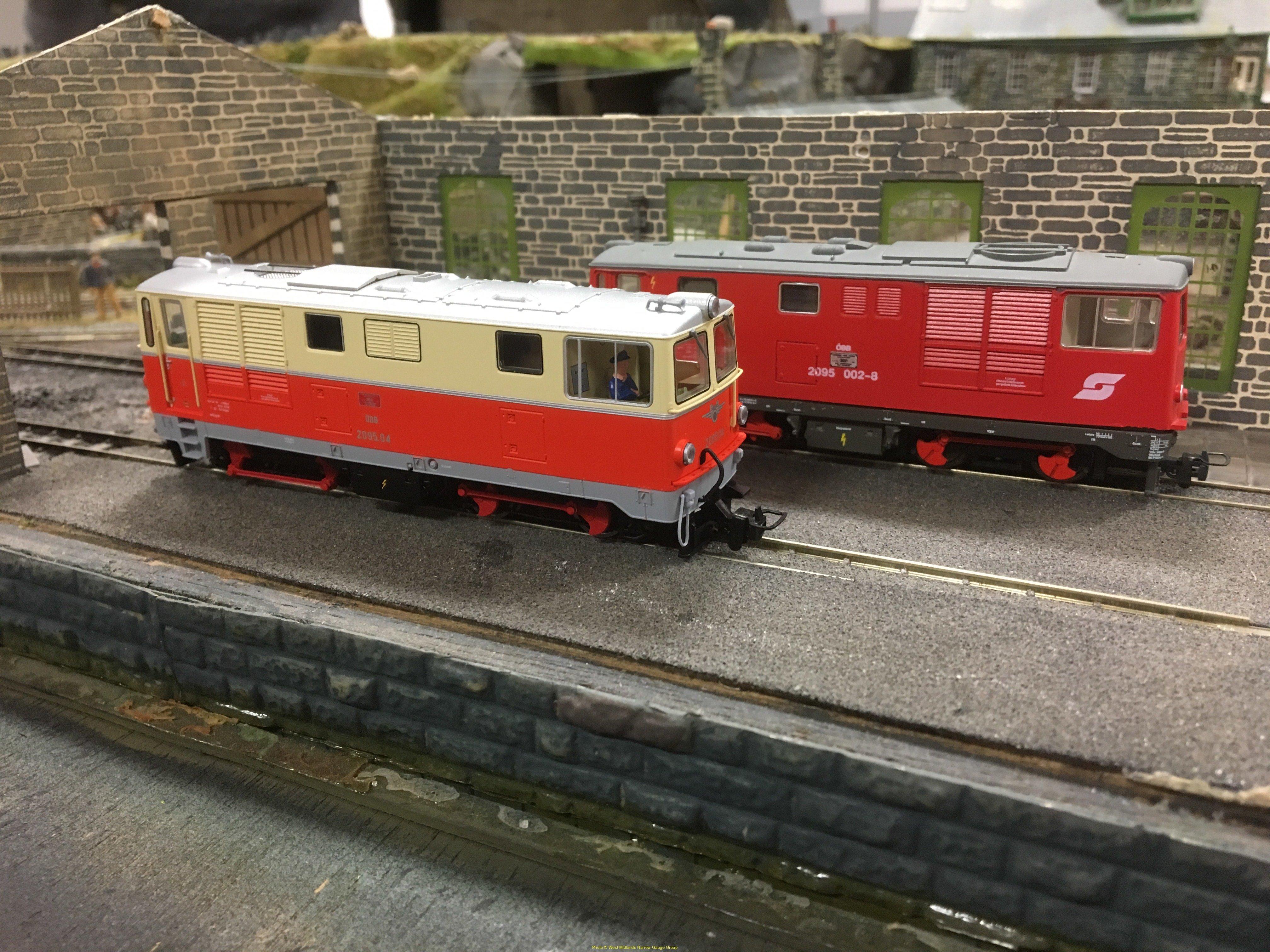 Modern image on Glastraeth shed (2) - Angela Baker's Roco Rh2095-4 n front of David Churchill's Ferro Train Rh2095-002-8.